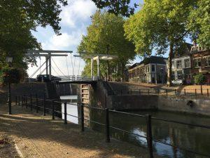 De Lekdijk met de oude sluis in Vreeswijk (Nieuwegein) wordt ook aangepakt.